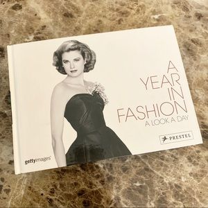 Other - A Year In Fashion A Look A Day Calendar Look Book